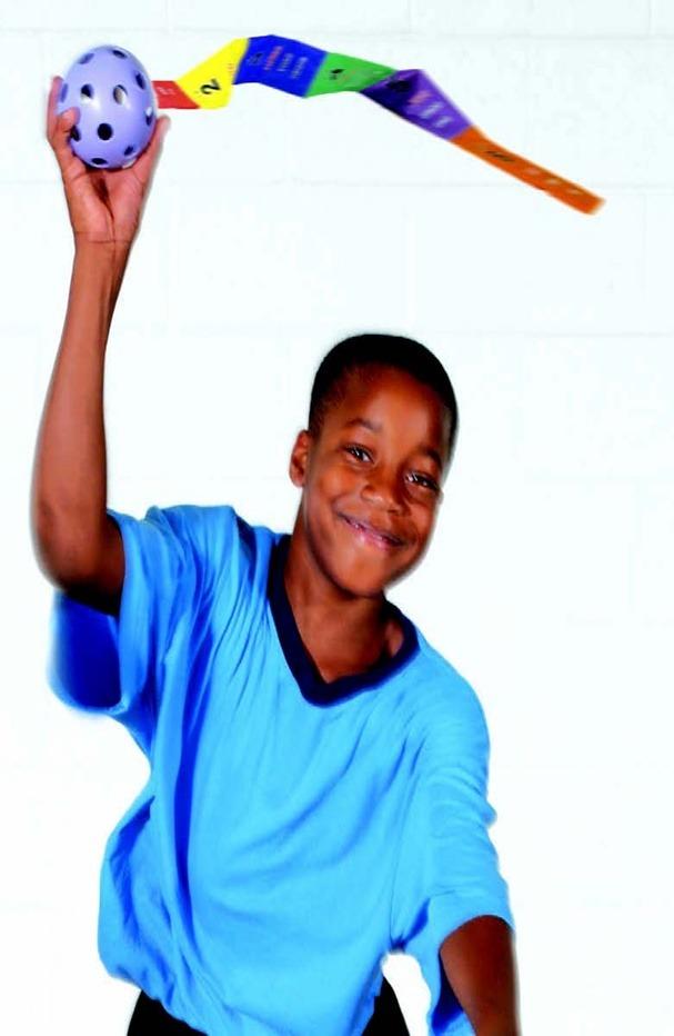 유니버셜리본-공에 꼬리를 달아 즐기는 놀이 유아체육교구/학교체육용품/스포츠용품 유니버셜리본 제품 소개