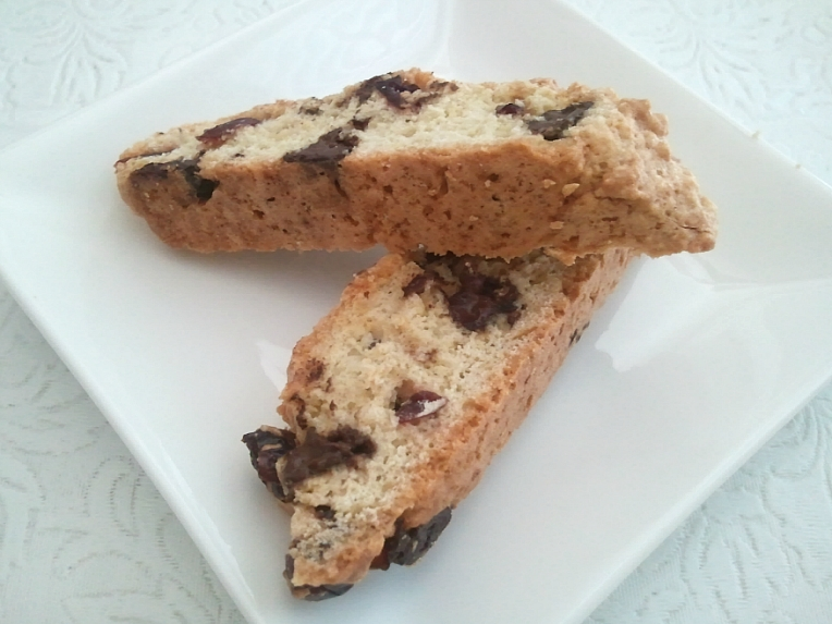 Cinnaholic Baker: Cranberry Chocolate Chip Biscotti