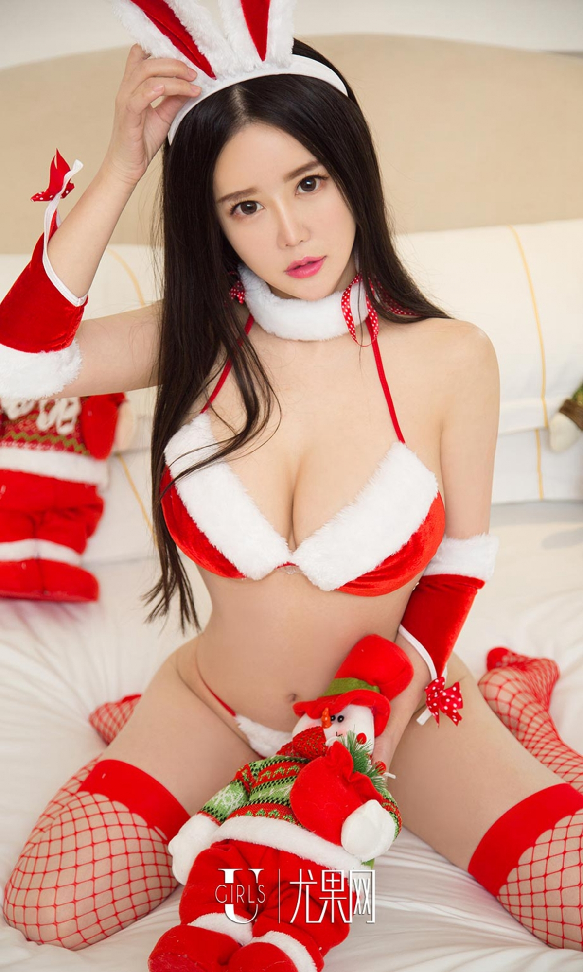 hot curved glamour Christmas girl