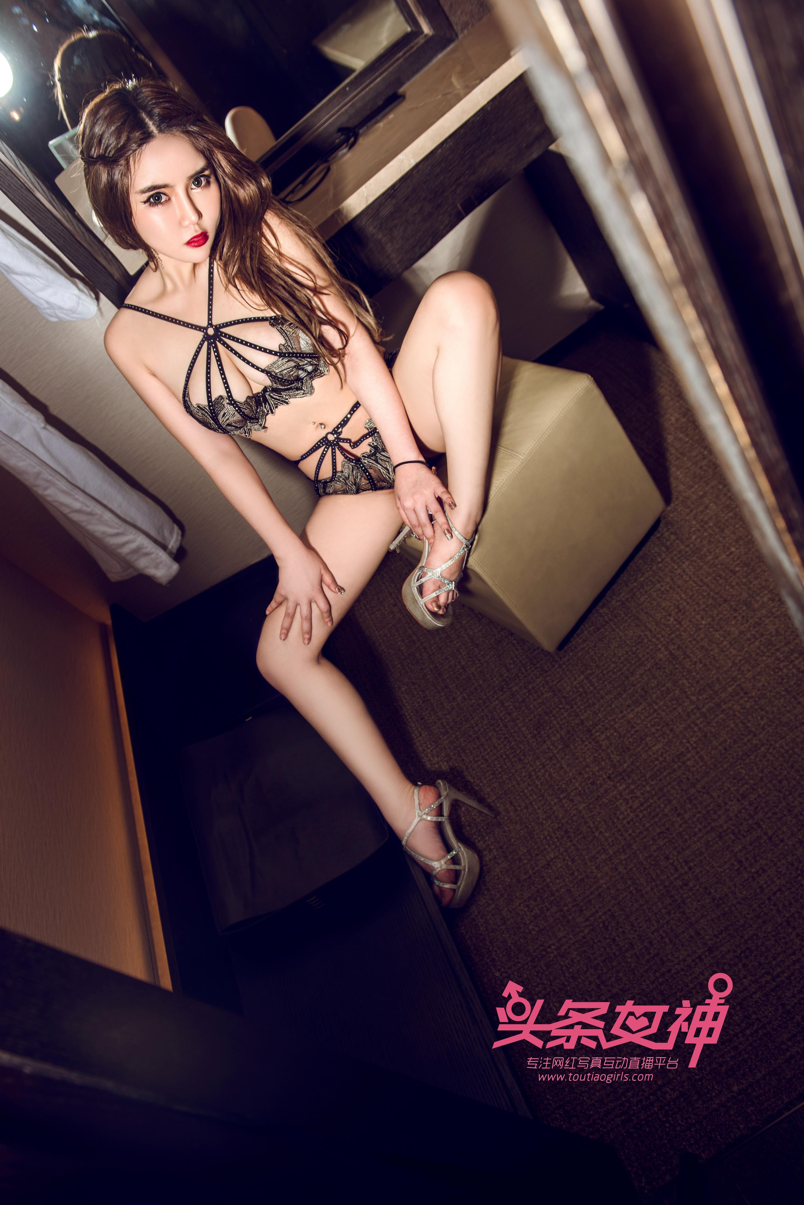hot pose Chinese lingerie girl